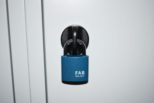 PAD 12/38 FAB | Visiaci zámok